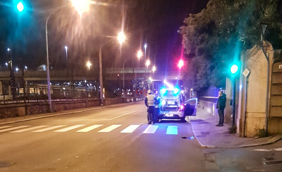 Grave incidente in via Pra', grave un uomo. Scooterista fuggito